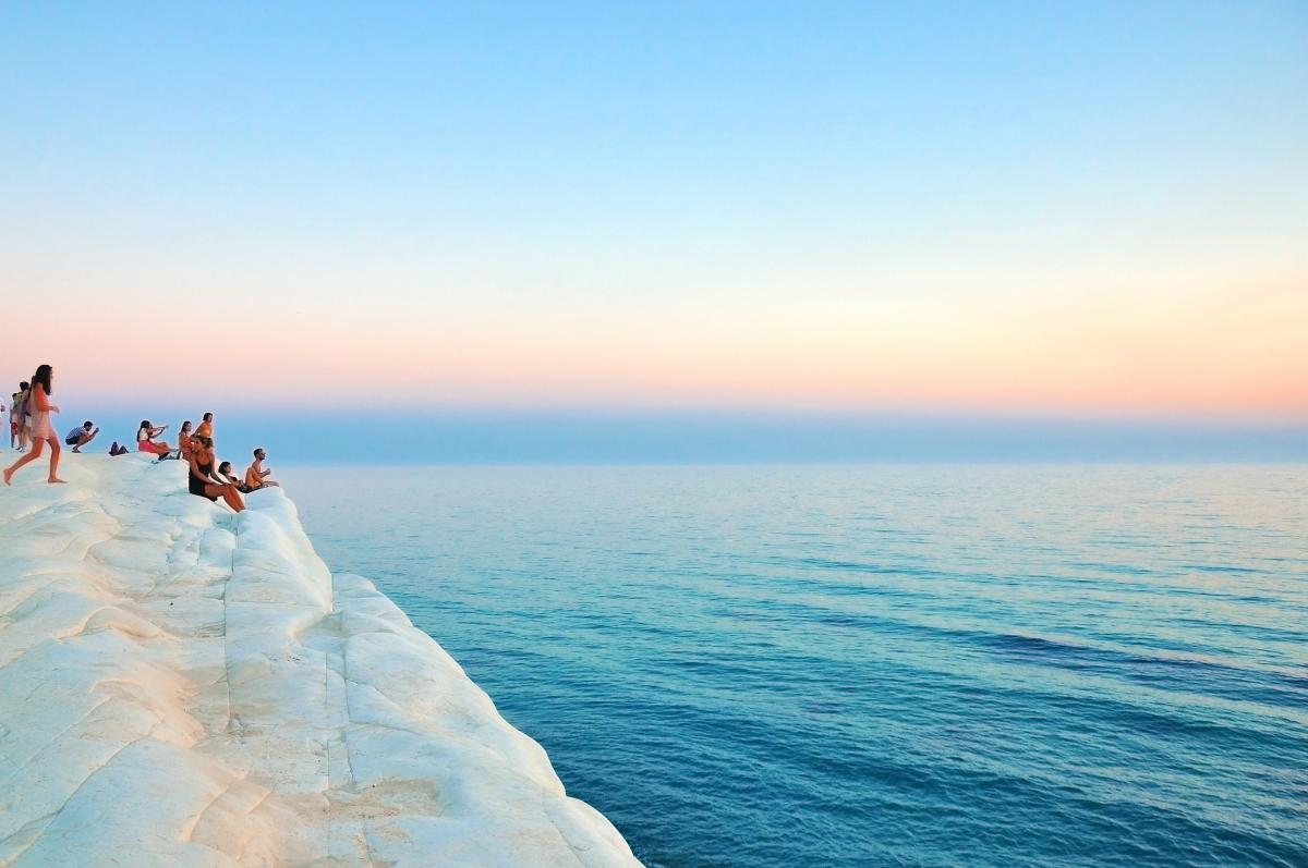 click to enter!